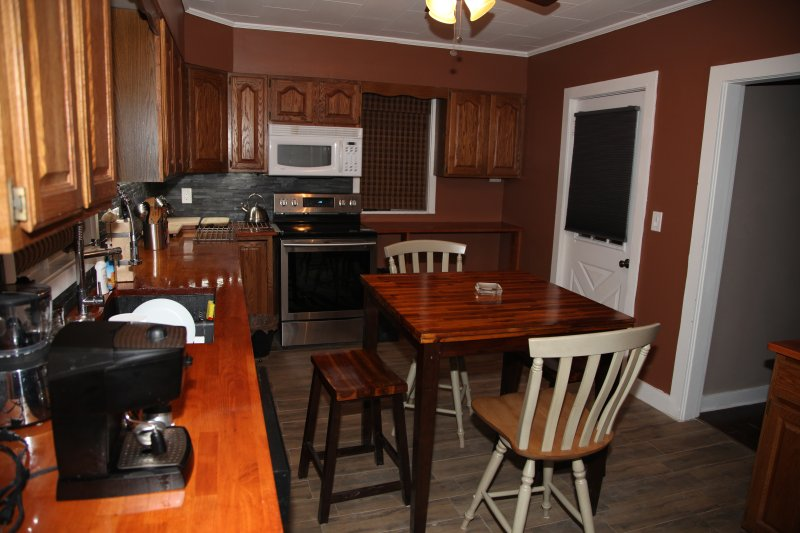Charming Home Near Rumford Falls & Ski Areas, Sunday River, vacation rental in Rumford
