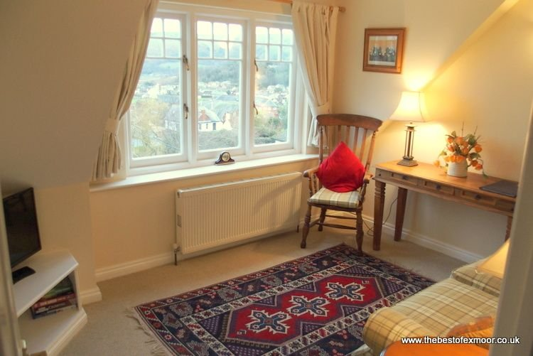 Dunkery Apartment, Porlock - Delightful Holiday Apartment in Porlock, holiday rental in Porlock