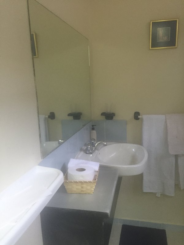 Tvättställ / delat badrum