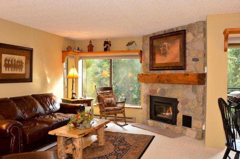SkyRun Property - 'Powderhorn C302' - Beautiful spot to relax