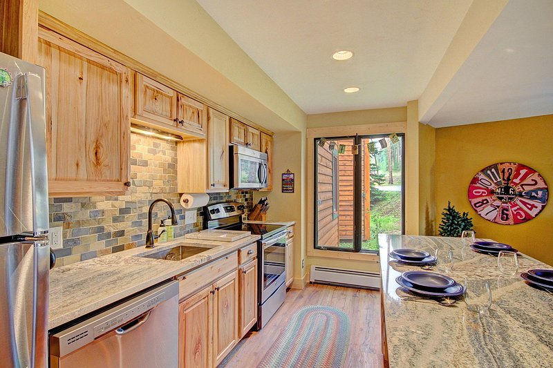 SkyRun Property - 'Peak 8 Village D24' - Beautiful new kitchen remodel with new appliances