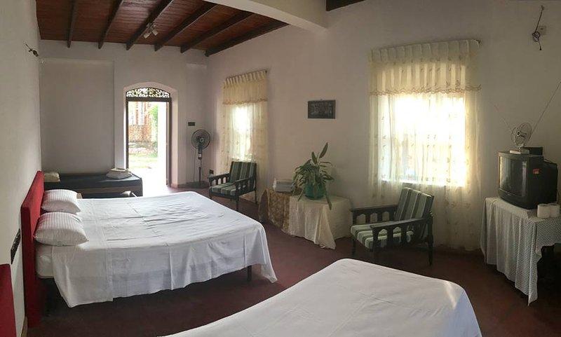Hotel La Felicita, holiday rental in Kamburugamuwa