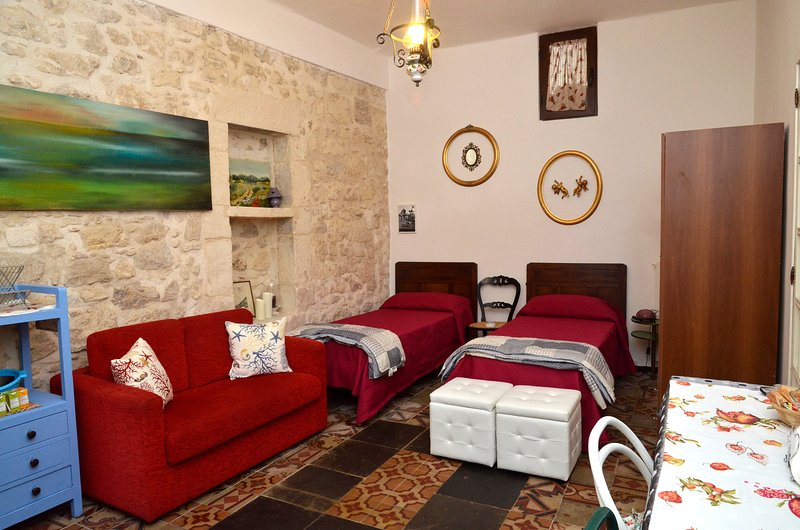 casetta melograno, vacation rental in Ragusa