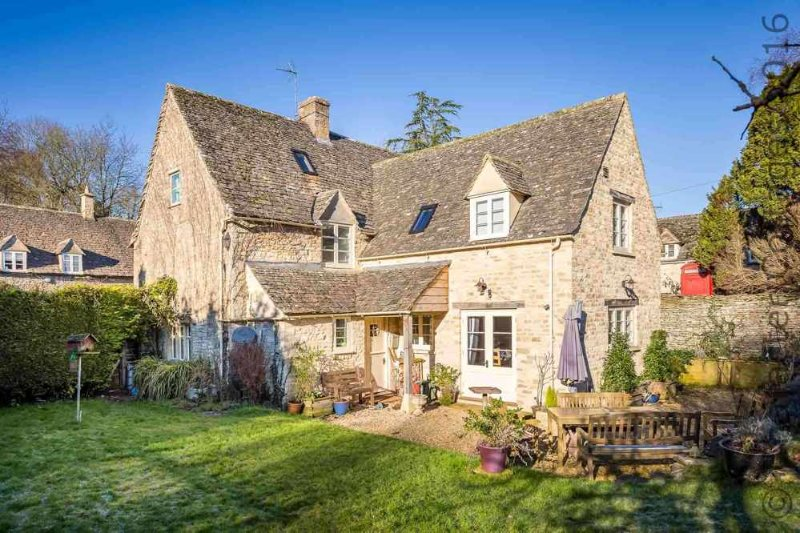 Barnsley Cottage, perfect for a fabulous holiday in the Cotswolds!