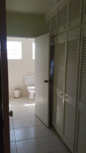 Couloir vers la salle de bain