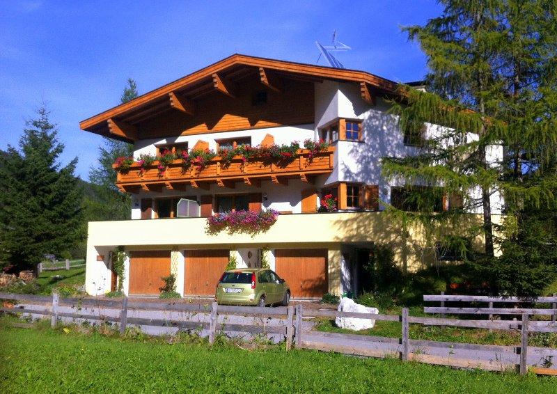 Appartement Tribulaun im Ferienhaus Padrins, vacation rental in Vipiteno