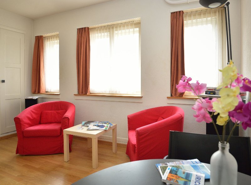 Garden studio apartments - Apartment 1, holiday rental in Meilen