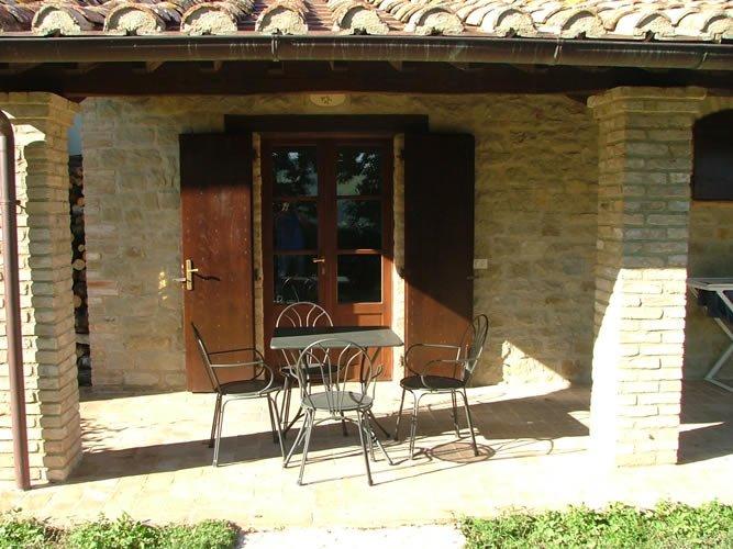 Agriturismo Castagna Alta - Valfabbrica - Two rooms apartment 'Mullberry', casa vacanza a Valfabbrica
