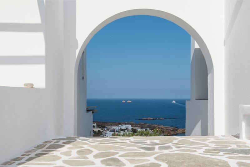 FOS, holiday rental in Parasporos