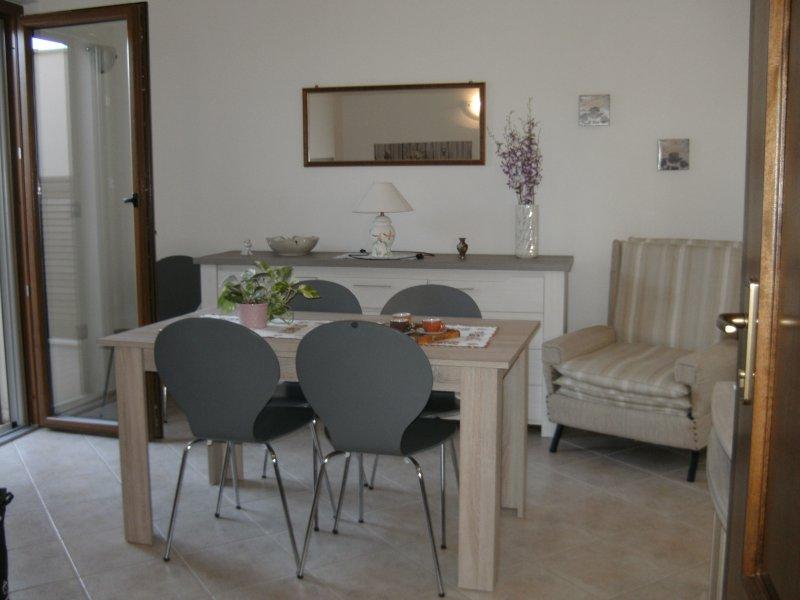 Gabry's house in Torregrande 1, vacation rental in Torre Grande