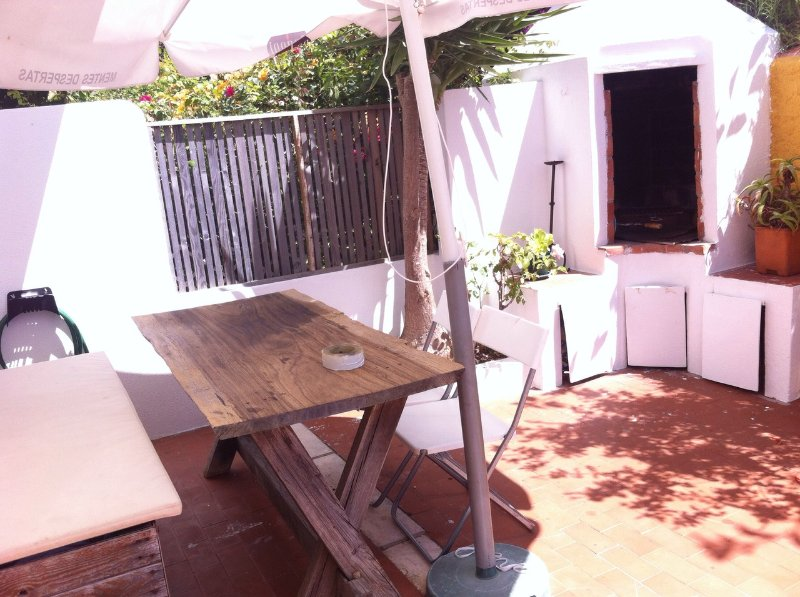 Furnished terrace with BBQ