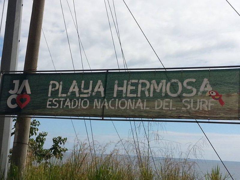 Playa Hermosa onde estamos; é conhecida por sua surf.
