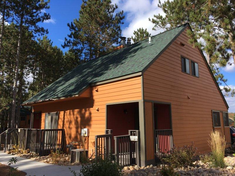 Wisconsin Dells 2 BR+2 BA Villa - Newly Remodeled, vacation rental in Wisconsin Dells
