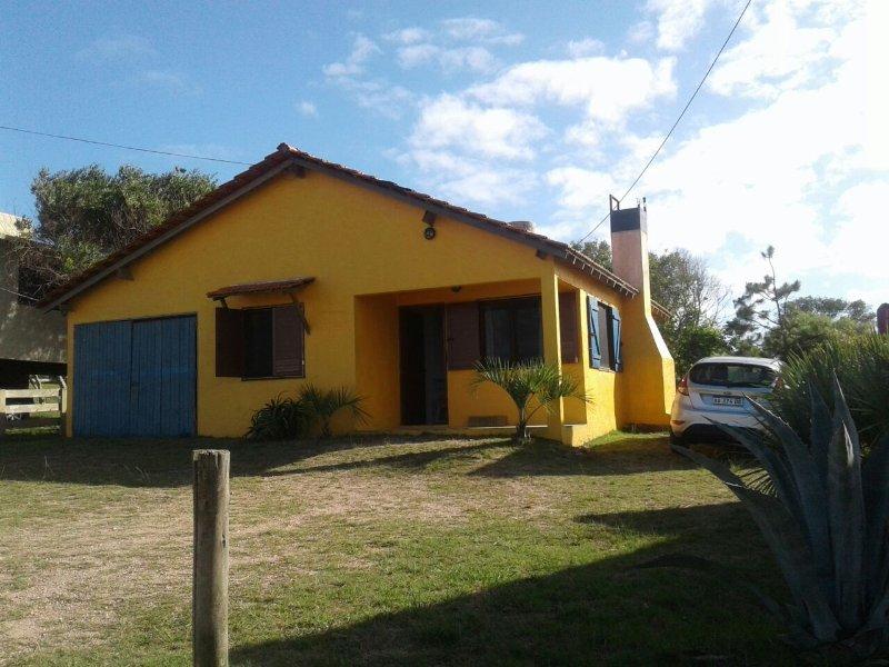 Casa  Benjamin Punta del Diablo a metros del mar, holiday rental in Punta del Diablo