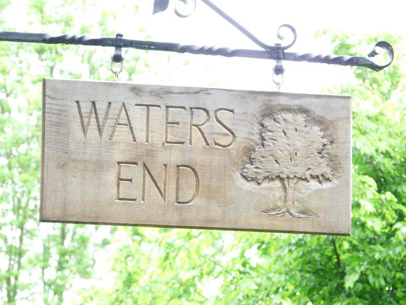 Het bordje op de rijstrook voor Waters End Farm aan de top van onze rit