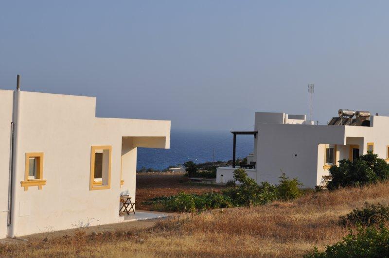 DREAM VILLAS AZURE, holiday rental in Kira Panagia