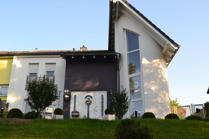 Wohnung mitten im Ruhrgebiet, holiday rental in Ratingen