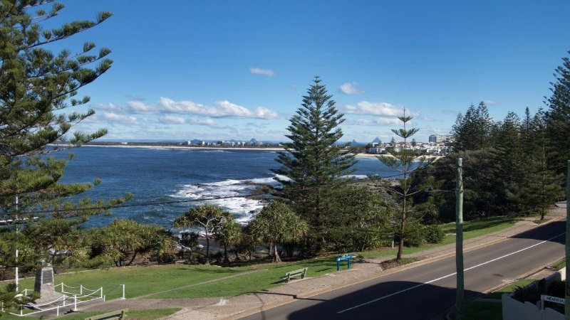 Wickham Point Unit 4 Kings Beach, QLD, vacation rental in Caloundra