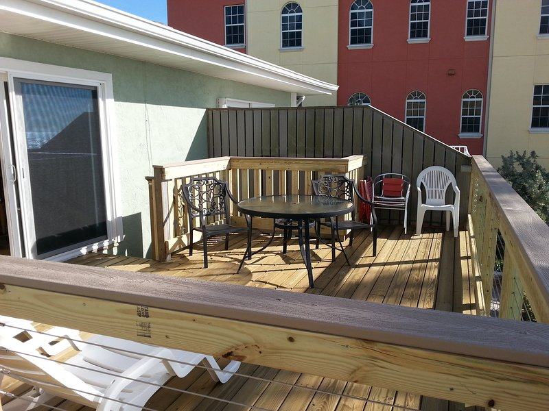 FULL DECK VIEW, 8 FT SLIDERS FOR VIEW FROM INSIDE