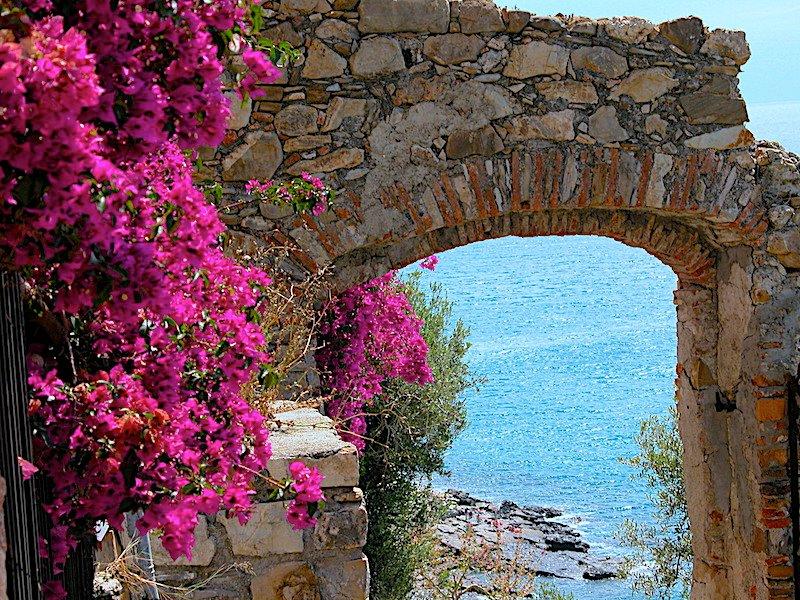 Medieval door Canarda