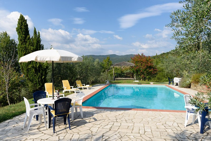 Borgo Tranquilitta - IL SOLE - Family Cottages in Tuscany with pool., aluguéis de temporada em Castiglion Fiorentino