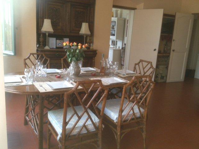 Dining room .