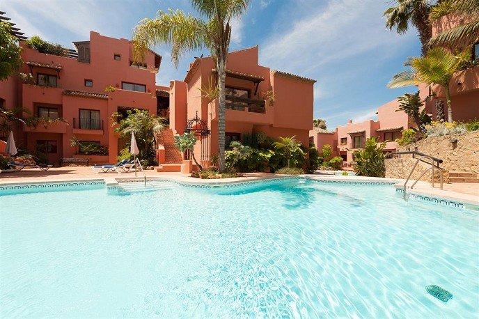 Elviria Holiday Apartment close to beach and amentities, aluguéis de temporada em Elviria