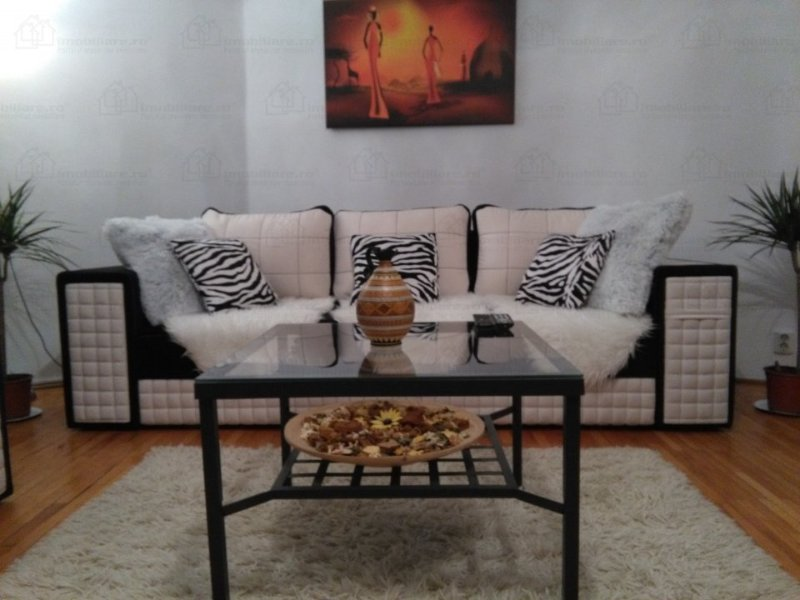 Lovely living room decorated in African style