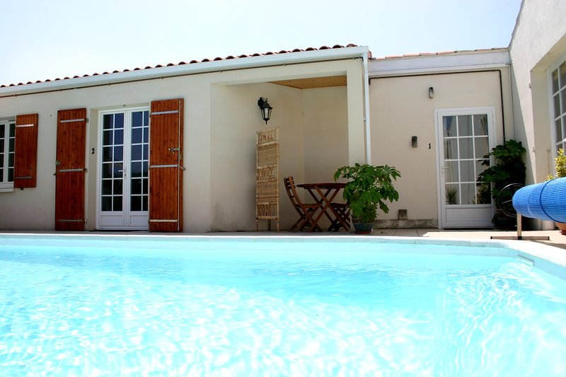 P1 Lovely Studio, Residence nr town with pool, wifi, vacation rental in La Rochelle