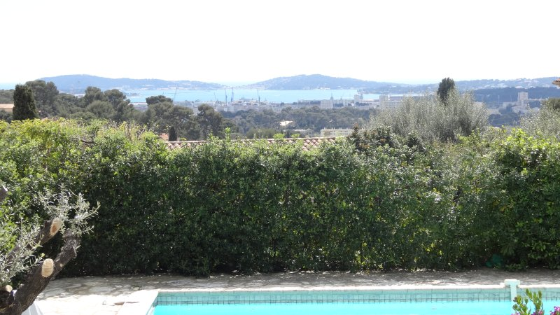 Bastide villa vue mer, holiday rental in Toulon