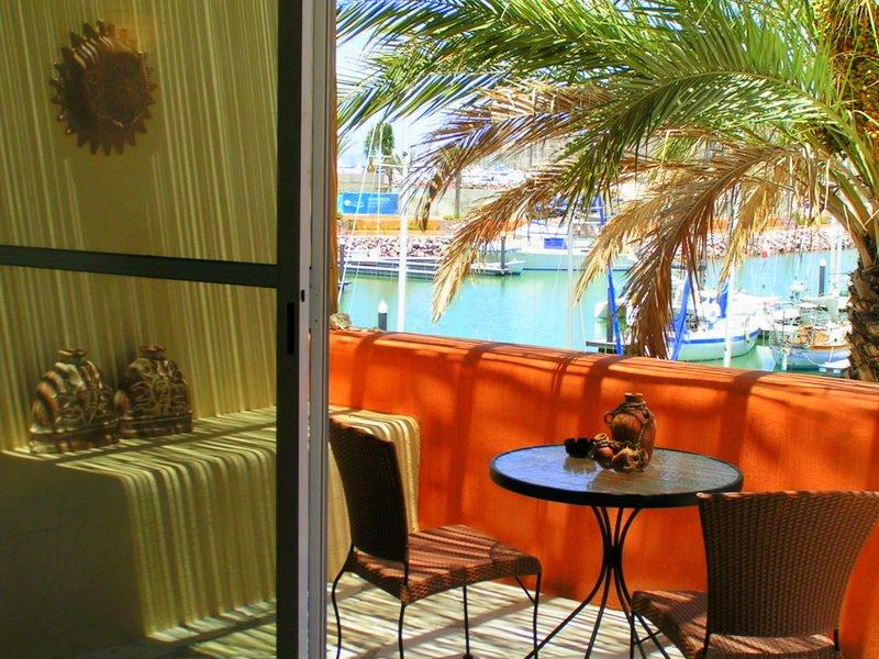 Marina Costa Baja Condo #401, vacation rental in La Paz