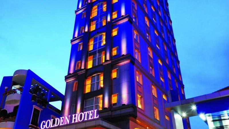 Beautiful Golden Saigon Central Hotel