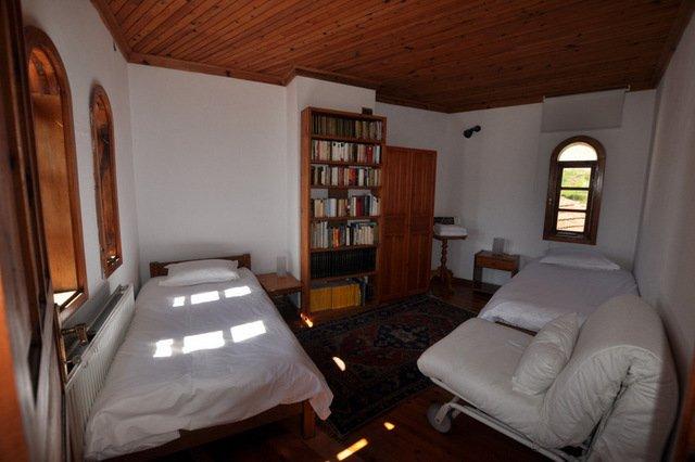 habitación doble con sofá cama que puede ser inagurado cuando sea necesario
