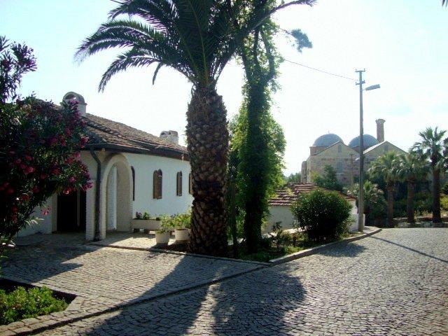 entrada de San Juan, Casa y zona de aparcamiento privado