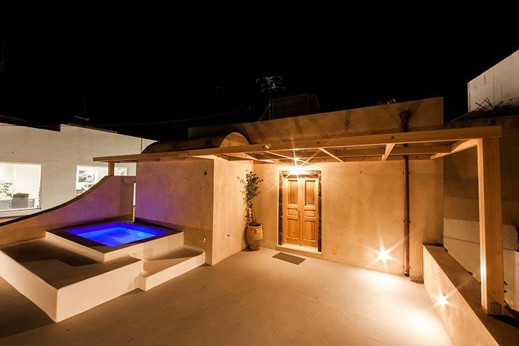 CASA SANTANTONIO - Superior Honeymoon Suite with outdoor Jacuzzi, vakantiewoning in Fira