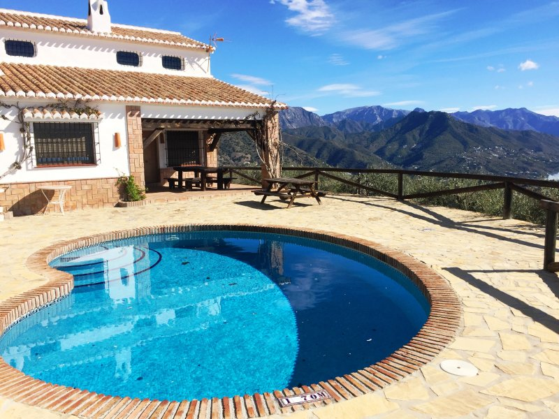 Finca Lagarillo con piscina privada, holiday rental in Competa