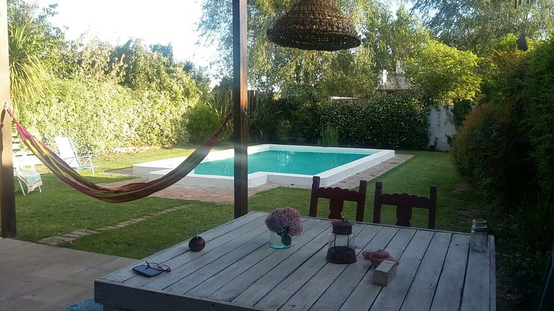 Casa cómoda cálida y moderna, holiday rental in Province of La Pampa
