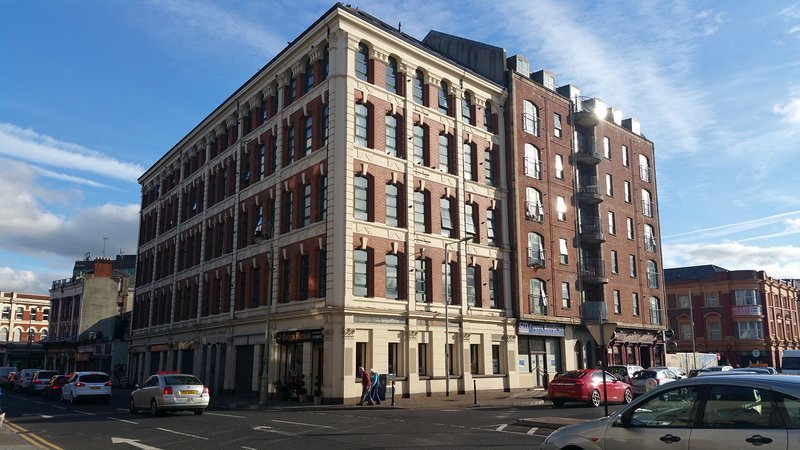 Hogg and Mitchells 1 bedrom apartment, holiday rental in Derry