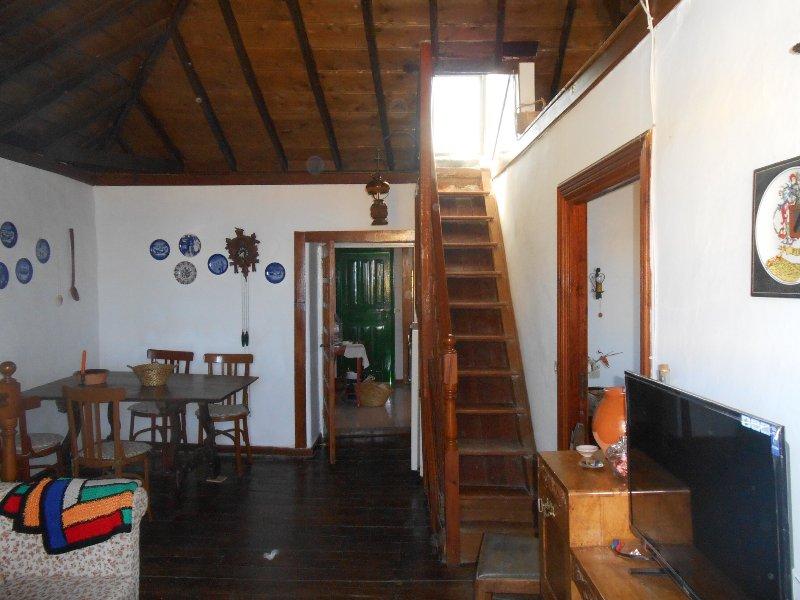 Se alquila casa histórica en San Juan de La Rambla ( Tenerife Norte), vacation rental in La Guancha