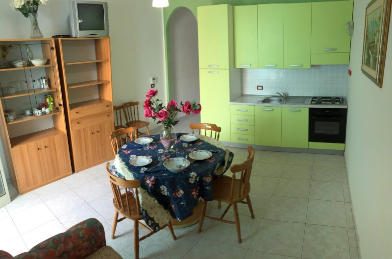 Living-dining room (kitchen
