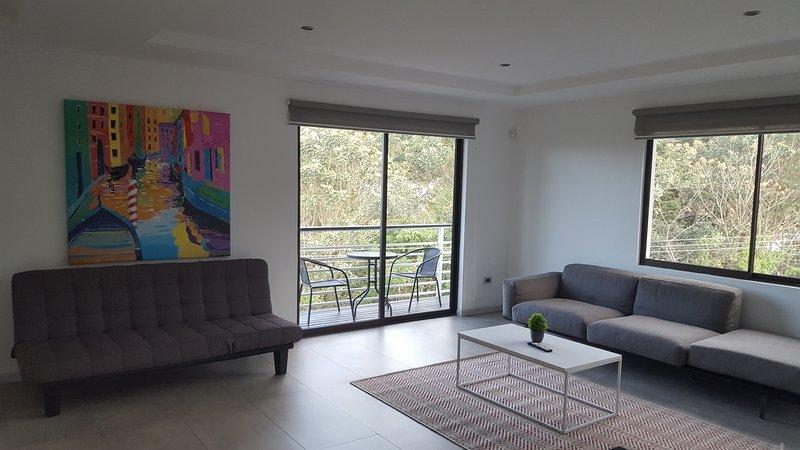 Stylish Living in Villa Carlotta Escazu, holiday rental in Sabanas