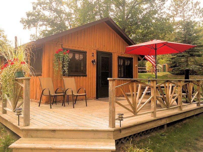Clear Lake Resort Cabin 2, location de vacances à West Branch