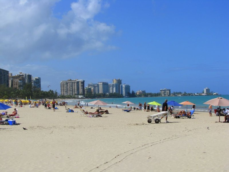 Sanddollar Beach Front Studio, holiday rental in Isla Verde
