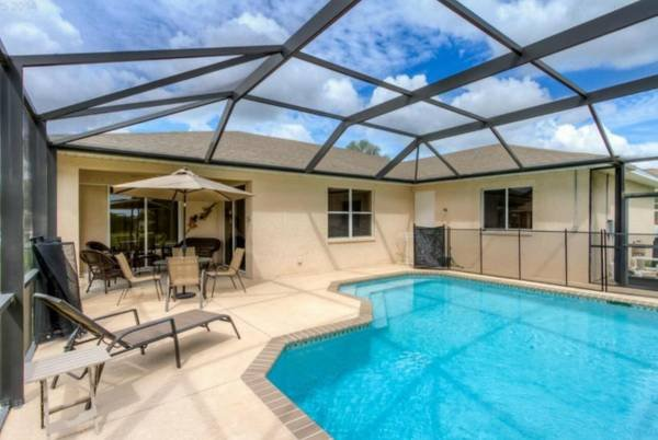 stunning coral beach bedroom | Beach Parkway Escape - Stunning4 Bedroom Pool Home UPDATED ...