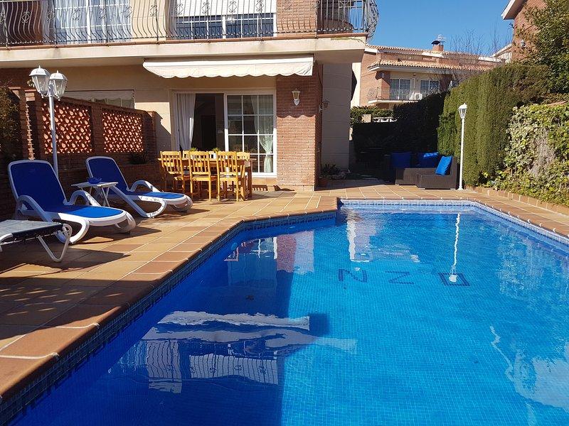piscina jardin y playa