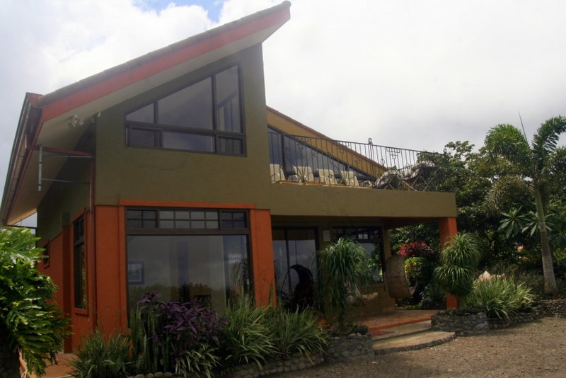 2 Story Casita, Spectacular Views, Central to Costa Rica Sites, Private Chef – semesterbostad i Zarcero