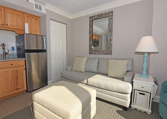 Shell Island 807 Living Room