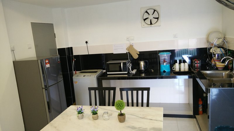 H&A guest House with river view, alquiler vacacional en Durian Tunggal