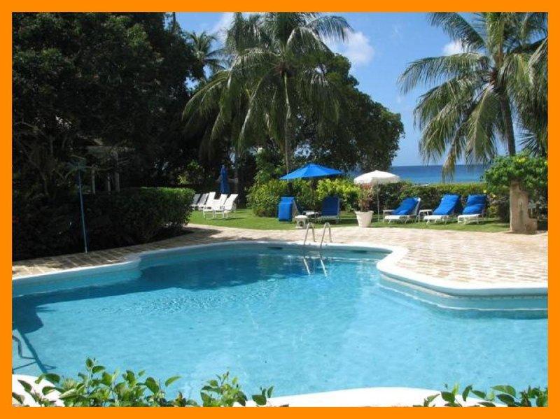 Emerald Beach 2 Allamanda - direct beach access, holiday rental in Gibbes