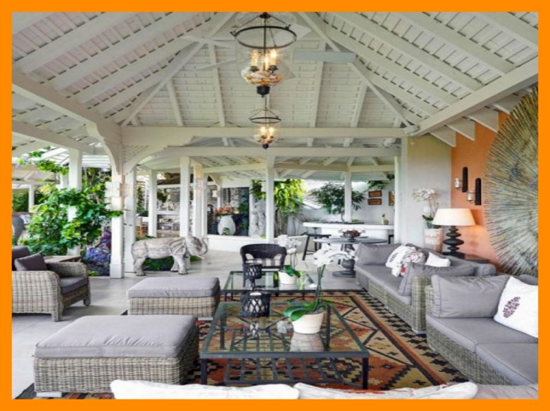 Point Of View - Villa with guest cottage, private pool and ocean views, vacation rental in Holder's Hill